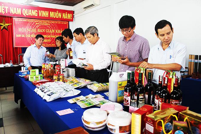 Thành lập Hội đồng bình chọn sản phẩm công nghiệp nông thôn tiêu biểu tỉnh Kon Tum năm 2020