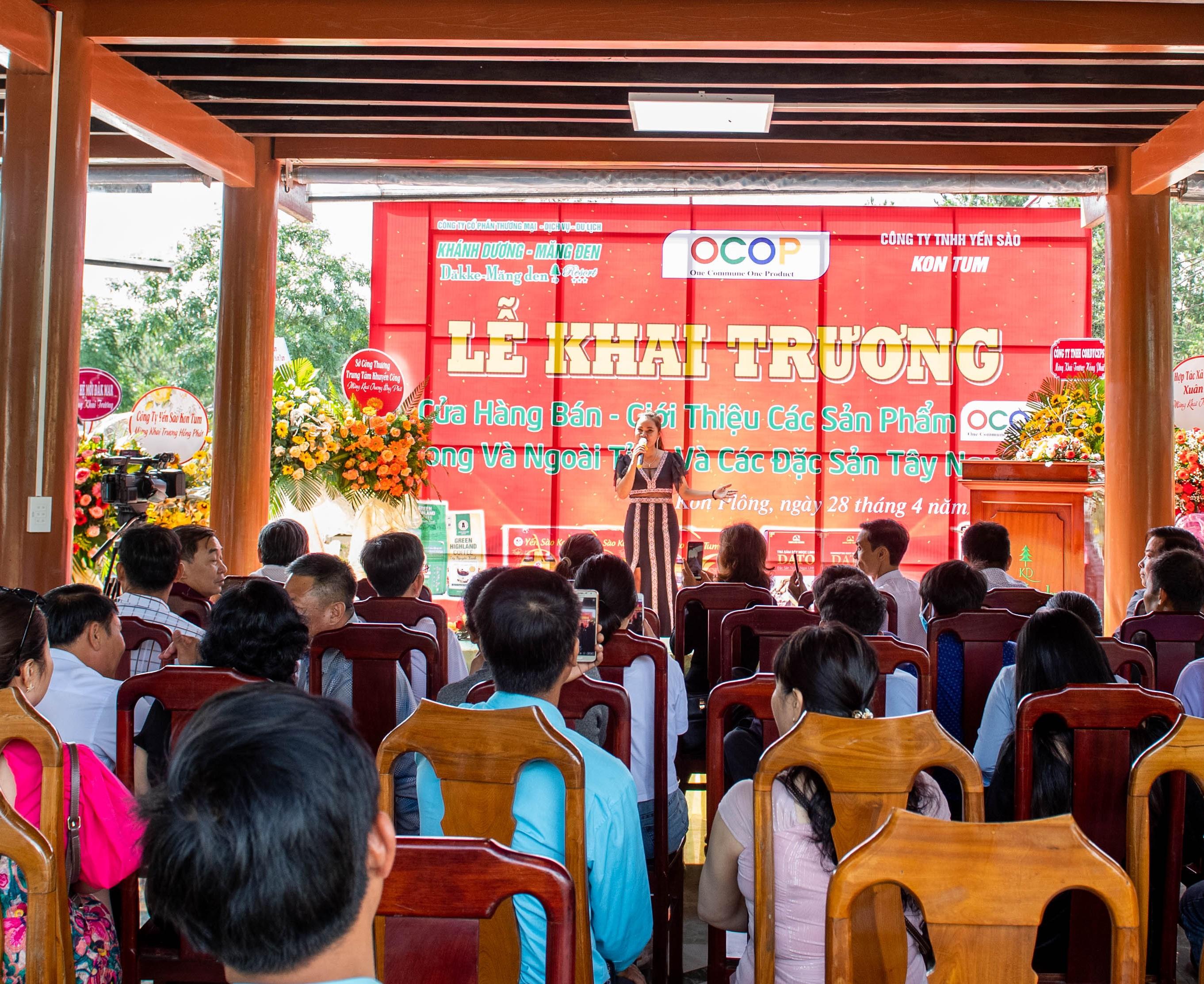 Khai trương cửa hàng bán, giới thiệu sản phẩm OCOP và đặc sản Tây Nguyên tại huyện Kon Plông